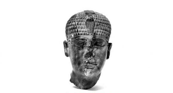 Skulptur efter egyptisk kung fortfarande oidentifierbar